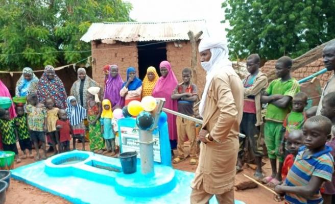 Bursaspor taraftarları Eren Bülbül ve Ferhat Gedik adına Nijer'de su kuyusu açtırdı