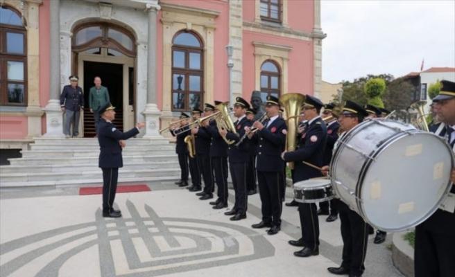 Edirne'de belediye bandosu emektar üyeleri için konser verdi