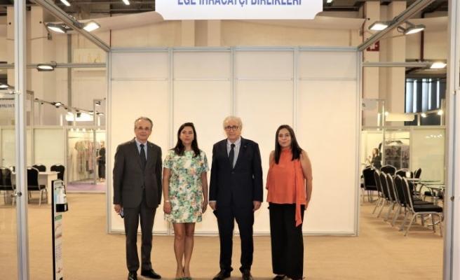 İzmir Moda Endüstrisi 1,5 milyar dolar ihracat hedefine Fashion 1 adım daha yaklaştı