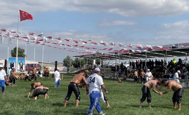 Kel Aliço Pehlivanı Anma Yağlı Güreşleri Edirne'de başladı