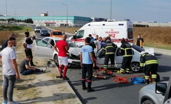 Tekirdağ'da iki otomobilin çarpışması sonucu 1 kişi öldü, 2 kişi yaralandı