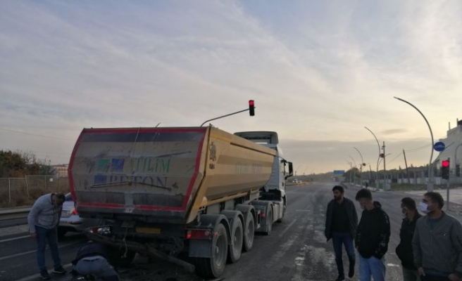 Tekirdağ'da kamyona çarpan hafif ticari aracın sürücüsü öldü