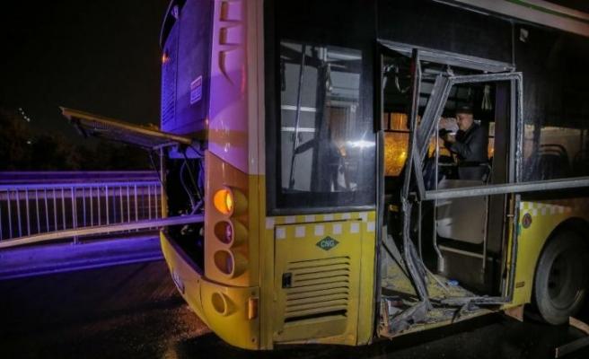 Avcılar'da kaza yapan halk otobüsündeki 4 yolcu yaralandı