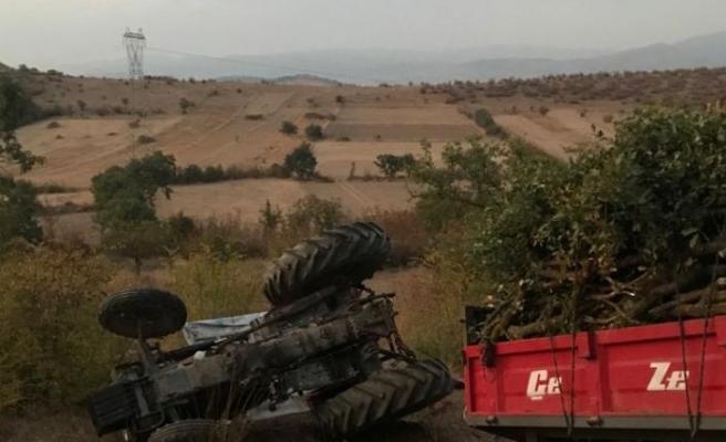 Balıkesir'de devrilen traktörün altında kalan sürücü öldü