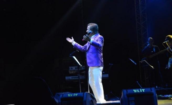 Erol Evgin Bursa'da konser verdi