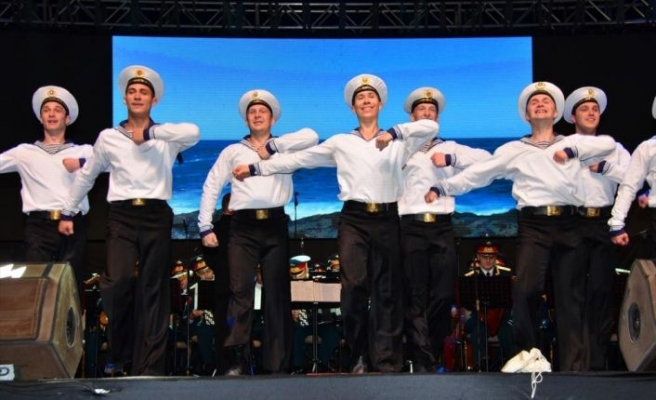Rus Kızılordu Korosu ve Haluk Levent Manavgat'ta konser verdi