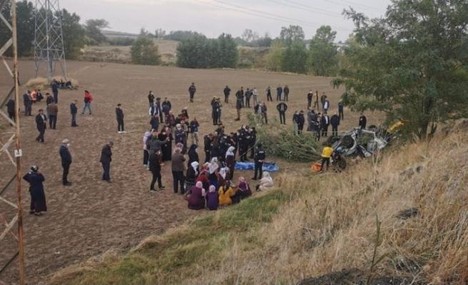 Tekirdağ'da şarampole devrilen otomobildeki 3 kişi öldü