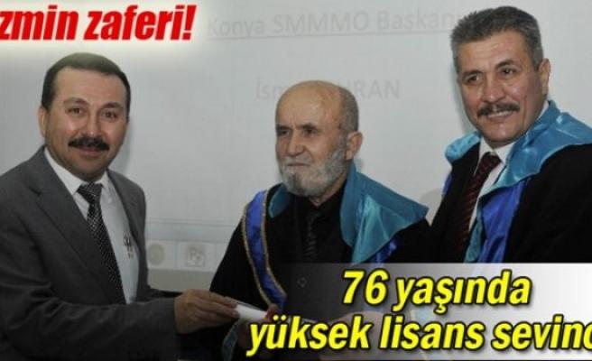 76 yaşında mezuniyet sevinci