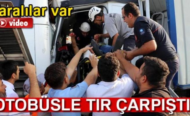 Antalya'da Rus turistleri taşıyan otobüsle tır çarpıştı: 6 yaralı