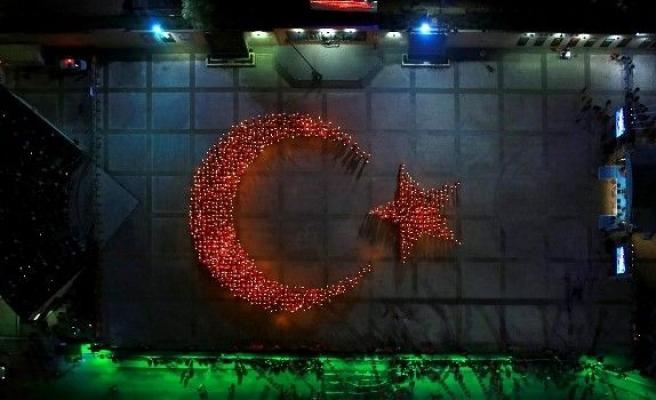 Ay Yıldızlı Bayrağımız Gönüllü 1923 Kişi İle Parladı