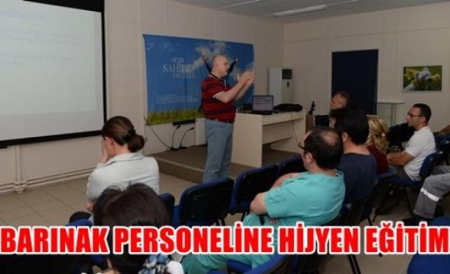 Barınak personeline hijyen eğitimi