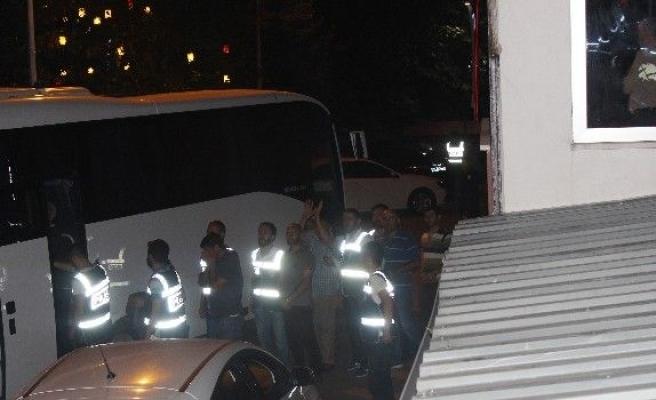 Bartın'da 12 polis tutuklandı