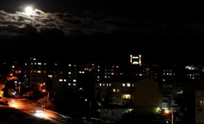 Bursa'da Ay Muhteşem Görüntüler Oluştu!
