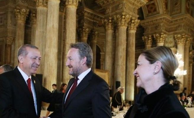 Cumhurbaşkanı Erdoğan'dan Devlet Liderleri Onuruna Dolmabahçe'de Akşam Yemeği