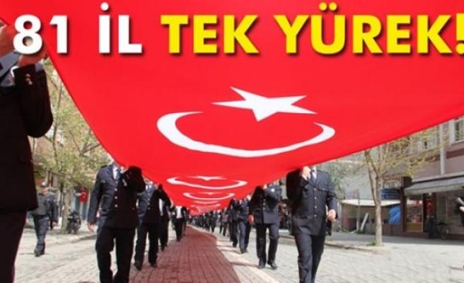 Dev bayraklı '81 İl Tek Yürek' yürüyüşü