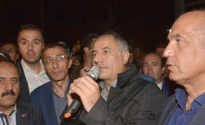 Erzurum'da Efkan Ala'ya coşkulu karşılama
