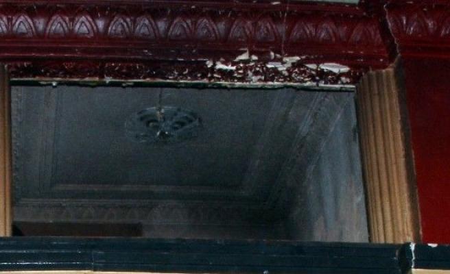 Eski Pavyonda Yanmış Erkek Cesedi Bulundu