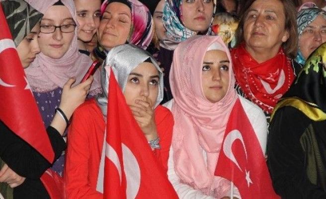 Eskişehir'deki demokrasi nöbetine binler katıldı