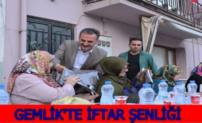 GEMLİK'TE İFTAR ŞENLİĞİ