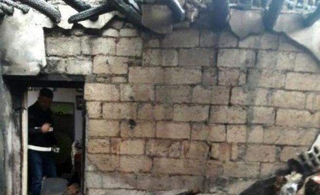 Iğdır'da Evde Çıkan Yangında 1 Çocuk Öldü