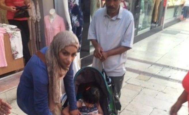 Kuşadası'nda rögara düşen 4 yaşındaki turist çocuk hafif yaralandı