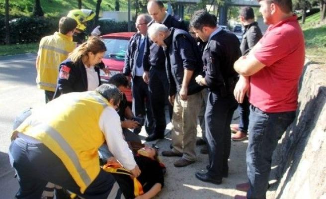 Aracıyla Takla Atan Kadın Sürücüyü Eşi Yalnız Bırakmadı
