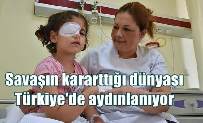 Savaşın kararttığı dünyası Türkiye'de aydınlanıyor