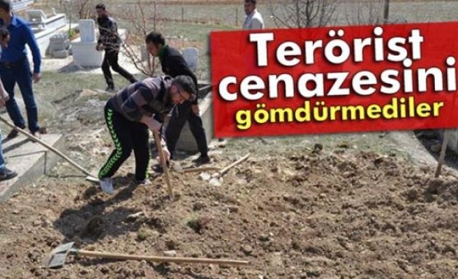 Terörist cenazesini ilçeye gömdürmediler