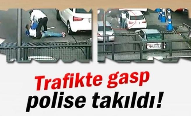 Trafikte gasp polise takıldı