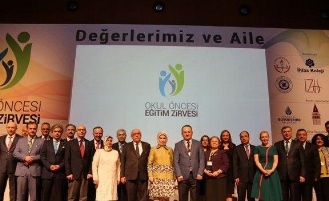 Türkiye'nin Önemli İsimleri Çocuklar İçin Buluştu