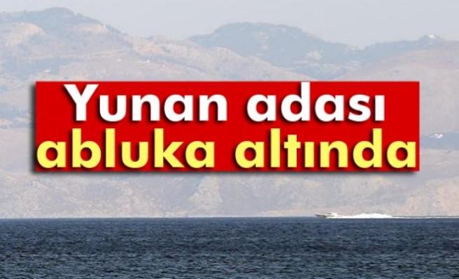 Yunan adası Simi abluka altında