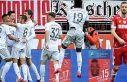 Bayern Münih deplasmanda Köln'ü 4-1 yenerek liderliğini...