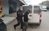 Bursa'da büfeden hırsızlık yaptığı öne sürülen şüpheliyi esnaf yakaladı