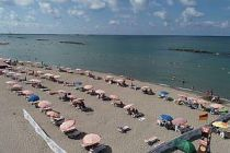 Karasu sahilleri bayramın ilk gününde vatandaşların akınına uğradı