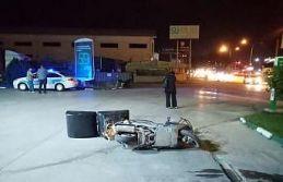 Bursa'da devrilen motosikletin sürücüsü ağır...