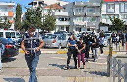 Balıkesir'de fuhuş operasyonunda yakalanan 4 şüpheli...