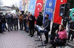 Bursa'nın sokak sanatçıları, vatandaşlara...