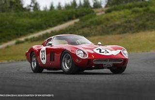 Açık artırmada satılan en değerli otomobil Ferrari...