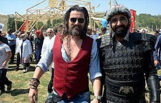 'Diriliş Ertuğrul' oyuncuları Malazgirt kutlamalarında