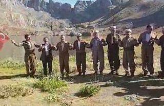 İkiyaka Dağlarında Türk bayraklarıyla halay çektiler