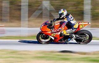 Milli motosikletçi Can Öncü şampiyonluğunu ilan...