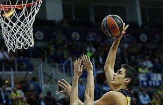 TBF'den milli basketbolcu Ömer Faruk'a ceza