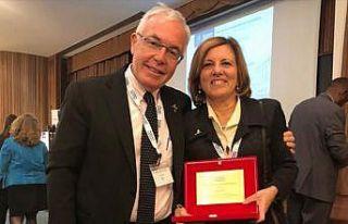 Prof. Dr. Seza Özen'e uluslararası ödül