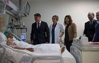 Tek donörden iki hastaya karaciğer nakli