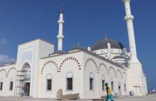 Cibuti'deki II. Abdülhamid Han Camisi ibadete...
