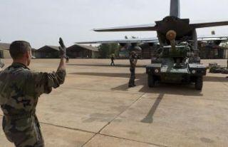 Fransız ordusu Suriye'deki kara gücünü inkar...