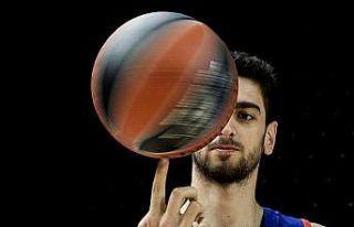 Furkan Korkmaz'dan Raptors potasına 16 sayı