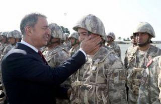 Milli Savunma Bakanı Akar: Münbiç ve Fırat'ın...