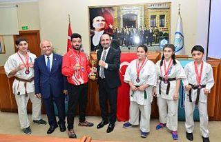 Karate şampiyonasına Yıldırım damgası
