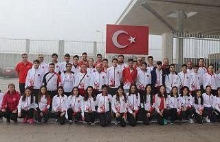 Milli atletlerden 17 madalya